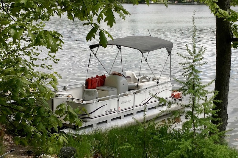 2006 pontoon boat